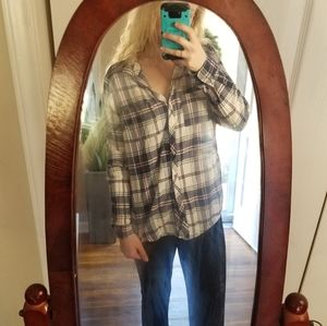 Maurices Size 0 Plaid Flannel Button Down Top